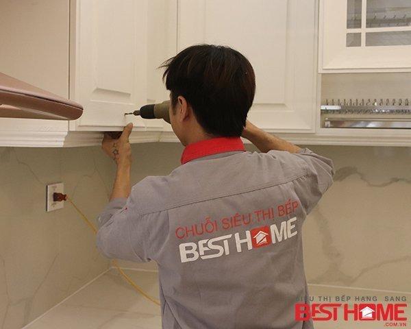 Tủ bếp gỗ sồi Mỹ sơn trắng công nghệ Inchem – Hoàn thiện công trình tủ bếp nhà anh Phong – Quảng Ninh thumbnail
