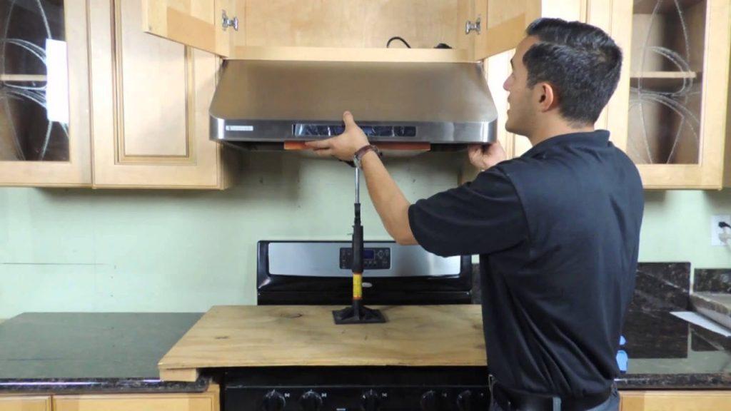 Bạn đã biết cách vệ sinh máy hút mùi nhà bếp?
