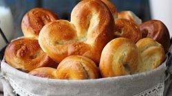 Cách làm bánh mì trái tim cho ngày Valentine thumbnail
