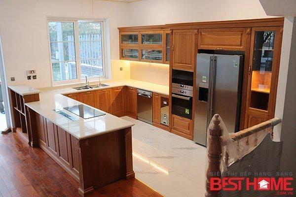 Tủ bếp gỗ tự nhiên gõ đỏ – Hoàn thiện công trình tủ bếp nhà chị Tươi – Vinhome Long Biên thumbnail