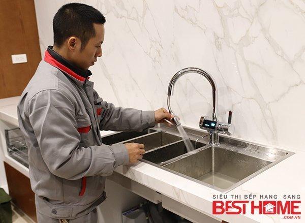 Lắp đặt máy lọc nước tạo kiềm TRIM ION nhà anh Sơn – Park City thumbnail