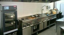 Tiêu chuẩn không-nên-bỏ-qua khi lắp đặt máy hút khói bếp công nghiệp thumbnail