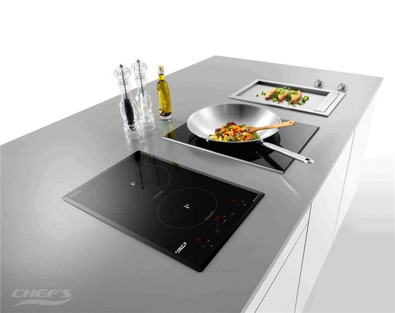 Không gian bếp từ hiện đại, sang trọng