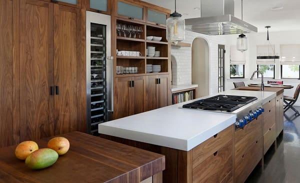 Tủ bếp gỗ sồi màu óc chó nội thất