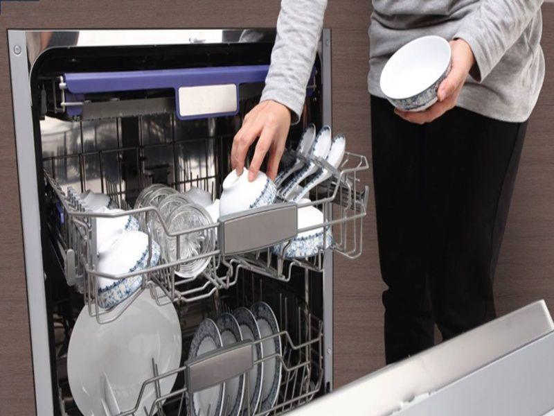 Bạn nên làm gì nếu máy rửa bát phát ra tiếng ồn post image
